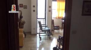 abusi anziani casa cura